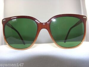 ec0f7994be Vintage Maui Jim Sunglass Frame with Solid Green 80% Lenses 100% UV ...