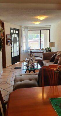 Casa en venta tres niveles; 3 recamaras, 2 baños, estudio; El Campanario. Atizapán de Zaragoza.