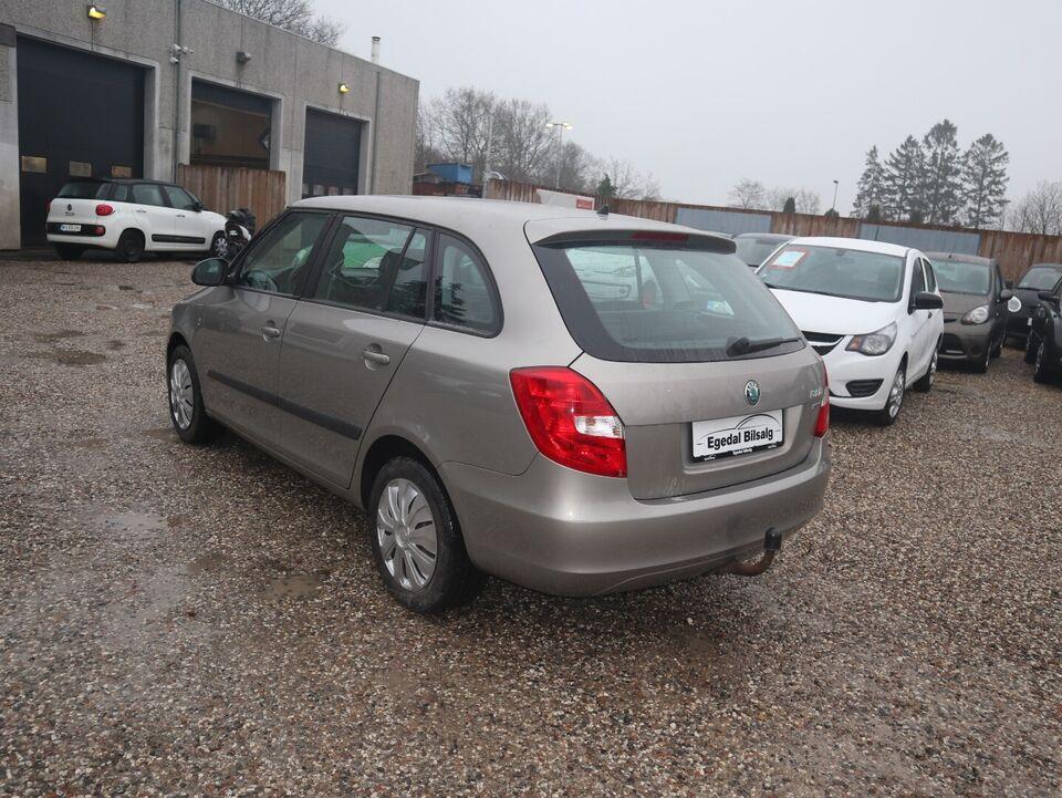 Skoda Fabia 1,2 12V Elegance Combi Benzin modelår 2012 km