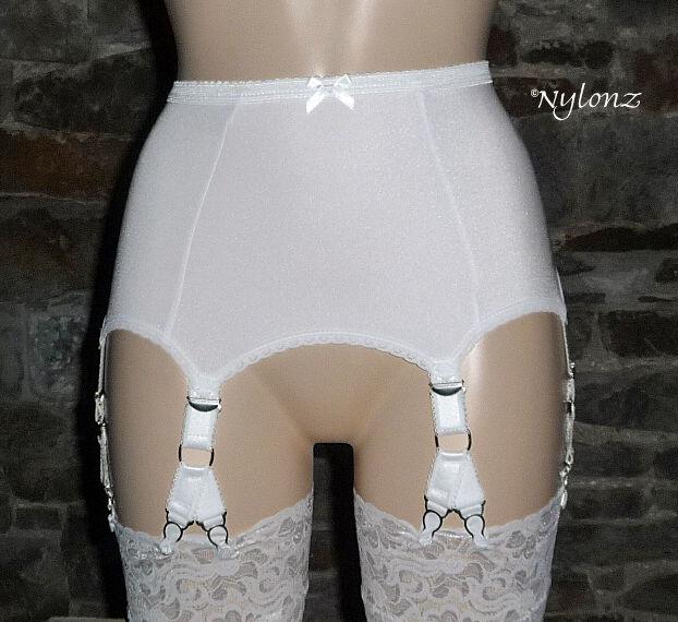 6 Strap (12 Clip) V Clip Luxury Suspender Belt White (Garter Belt)