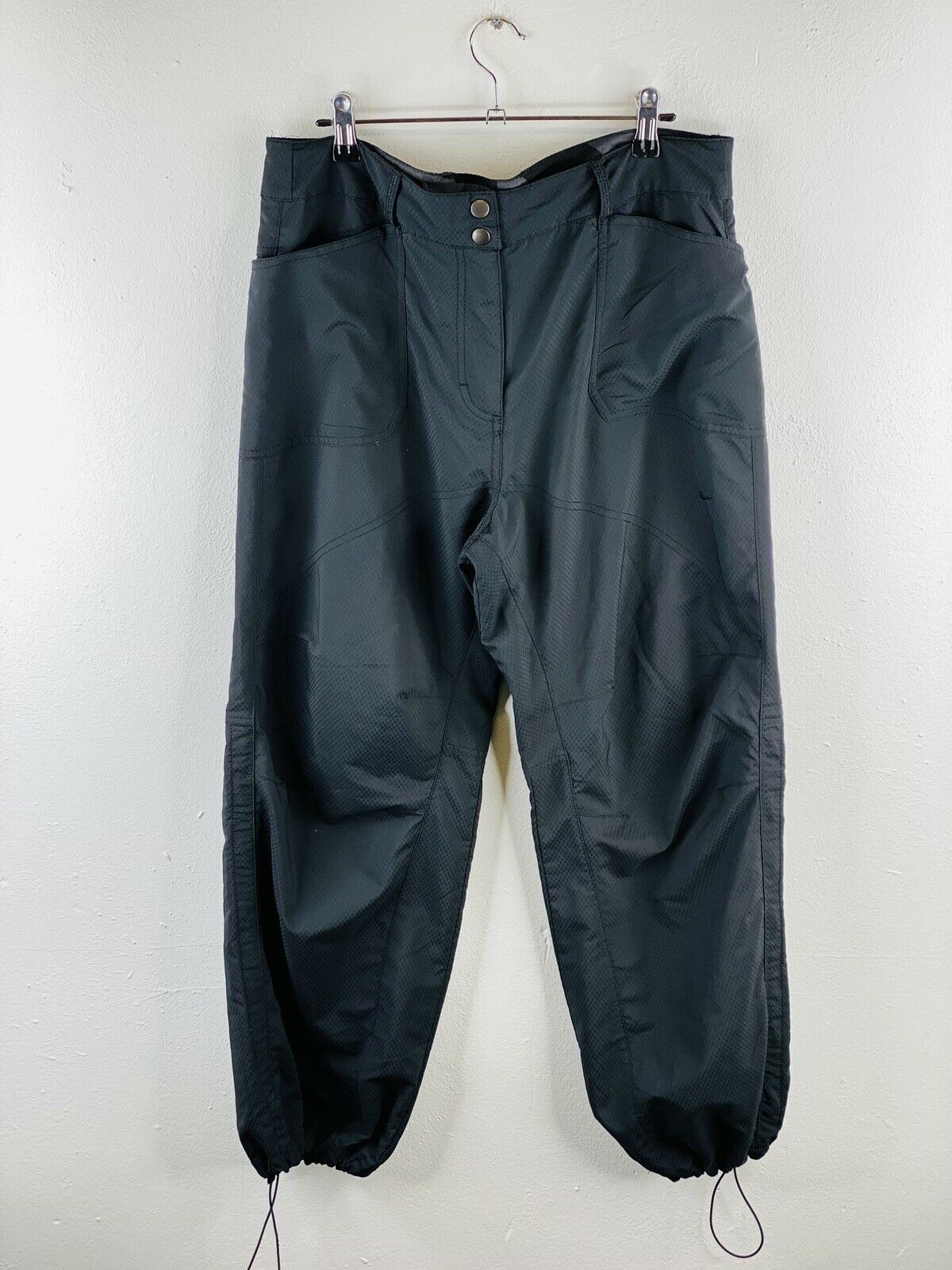 Nike Women's Casual Pants Size US10 Black Zip Close Snap Button Outdoor Hiking