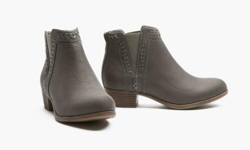 NEW OLIVE STREET Daisy Grey Microsuede Chelsea Ankle Booties Women/'s Size 8.5