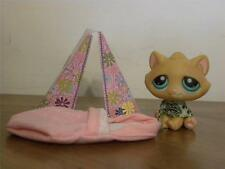 Littlest Pet Shop LPS #300 Orange stripe Cat with Green eyes with sleeping bag