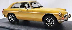 1:18 MGB GT V8 CML107-1 CML107-2 model car Harvest gold or orange Cult Models
