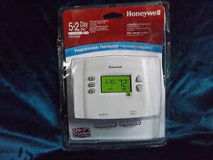 Honeywell-RTH-2300-B-Digital-5-2-Day-Programmable-Thermostat-Green-display-R