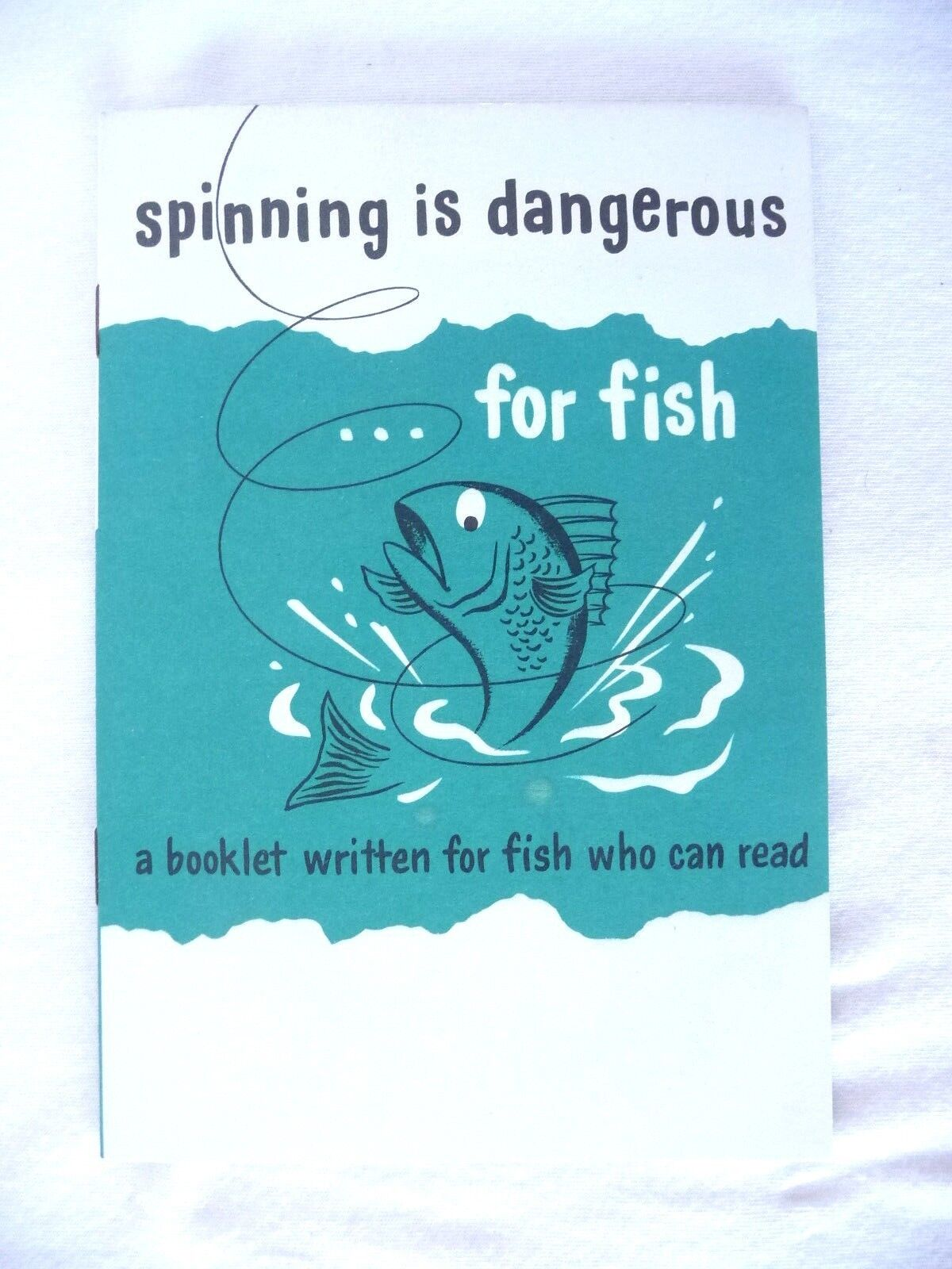 RARE OCEAN CITY MONTAGUE ROD & REEL SPINNING IS DANGEROUS FOR FISH BOOKLET USA