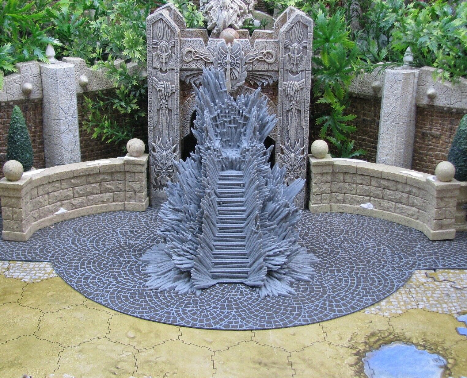 Iron Throne A Song of Ice and Fire CMoN Game of Thrones miniatures terrain 32 mm