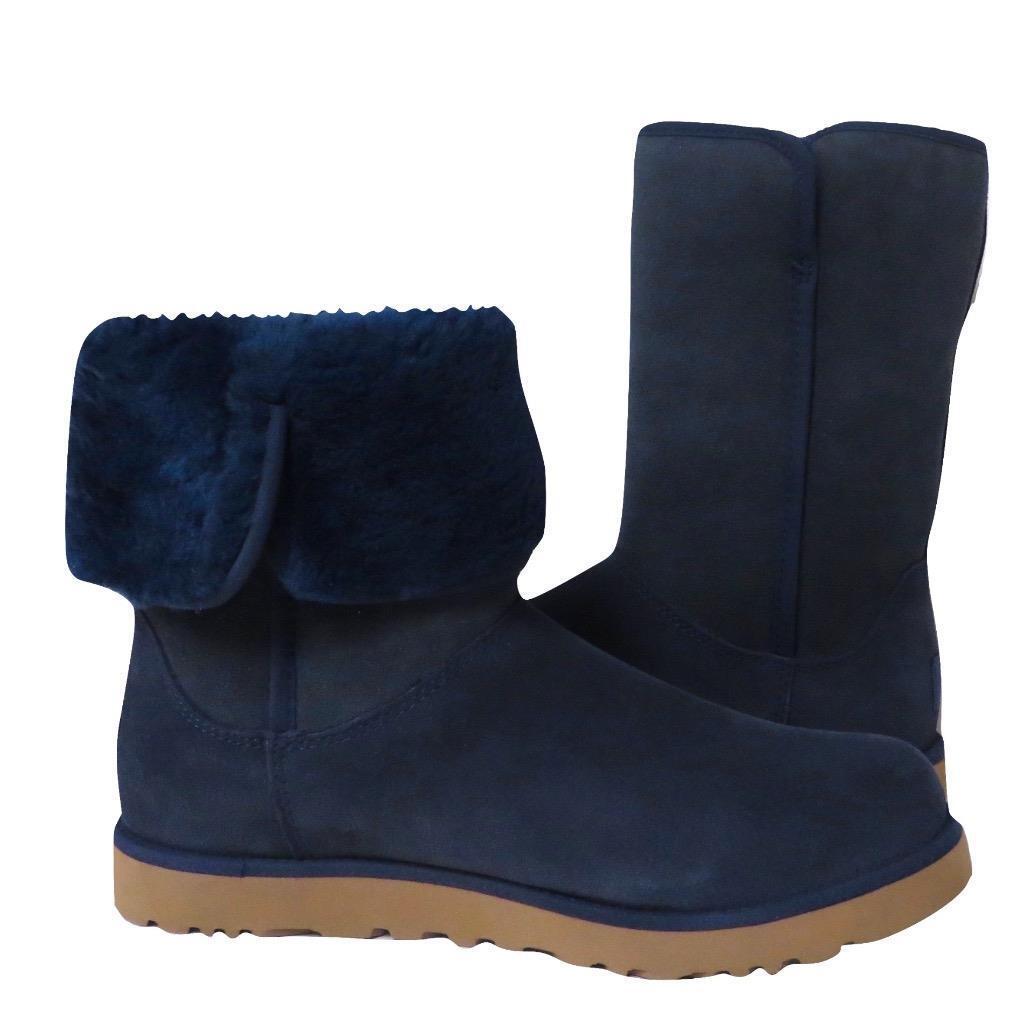 Nouveau NIB Ugg Michelle Short MidCalf Boot Suede & amp;Peau de Mouton RARE CLASSIC COLOR 9.5