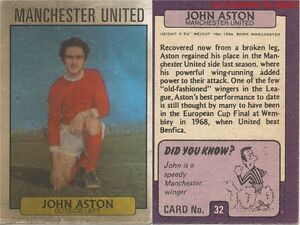 032 JOHN ASTON MANCHESTER UNITED ENGLAND CARD FOOTBALLER 1972 PURPLE BACK AB&C PesipqiI-08032600-922407423
