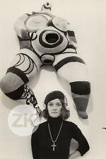 NIKI de SAINT PHALLE Nanas HON Sculpture Tinguely Ultvedt Poupée Photo 1974