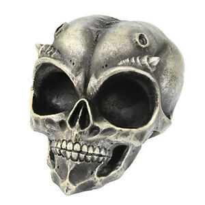 Alien-U-F-O-Skull-with-Small-Horns-6-034-Hand-Painted-Resin-Statue-031PT04