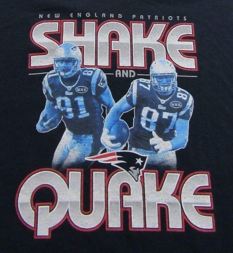 New England Patriots Shake And Quake Gronkowski Hernandez T Shirt Size S (RARE)