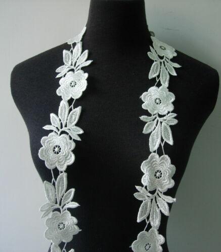 "OT128 2 2//8/"" Wide Flowers Rose Venise Venice Lace Off-white 1y Sew//Design//Craft"