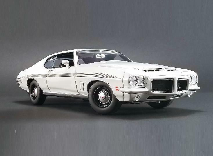ACME 1:18 Pontiac 1972 LeMans GTO Diecast Model Car bianca A1801211