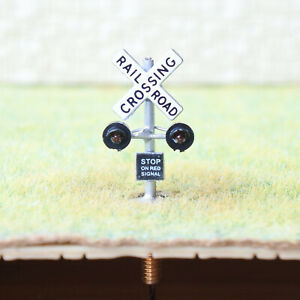 1-x-N-scale-railroad-crossing-signals-lights-LED-made-2-target-faces-silver