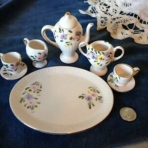 Vtg-Miniature-China-Tea-Set-9-Pieces-Floral-amp-Gold-Dollhouse-Pretend-US-Seller