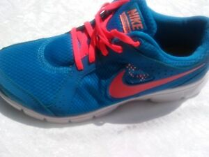f35ab3f5b034 Nike flex experience RN2 women shoes blue Size 8.5 in excellent ...