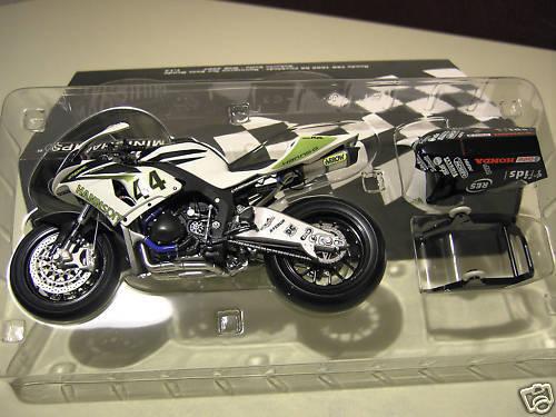 MOTO HONDA CBR 1000 RR FIREBLA ROLFO 07 1 12 Minichamps 122071244