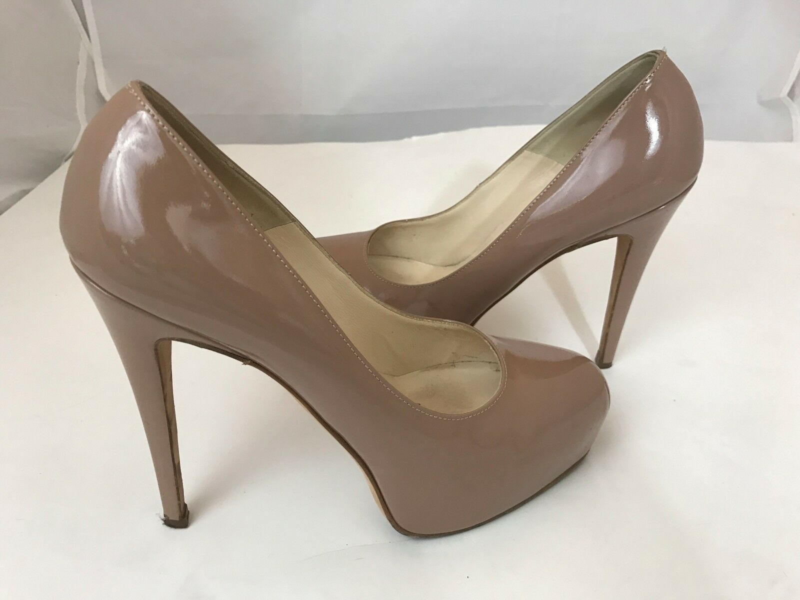 BRIAN ATWOOD 10617 NUDE PATENT 38.5 LEATHER PLATFORM PUMPS SZ 38.5 PATENT 4a1454