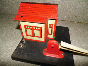Details about Vintage Marx RailRoad Crossing Building & Gate - Watchman On  Duty R R  Property