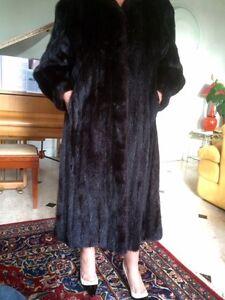 Manteau-long-en-Vison-Dark