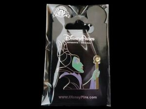 Disney-Trading-Pin-Maleficent-Holding-Staff-with-Jeweled-Stone