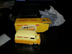Atlas Dinky toys 482 Bedford 10 cwt Van Yellow gold boxed opened