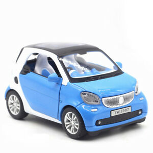 1-24-Smart-ForTwo-Die-Cast-Modellauto-Auto-Spielzeug-Model-Sammlung-Hellblau