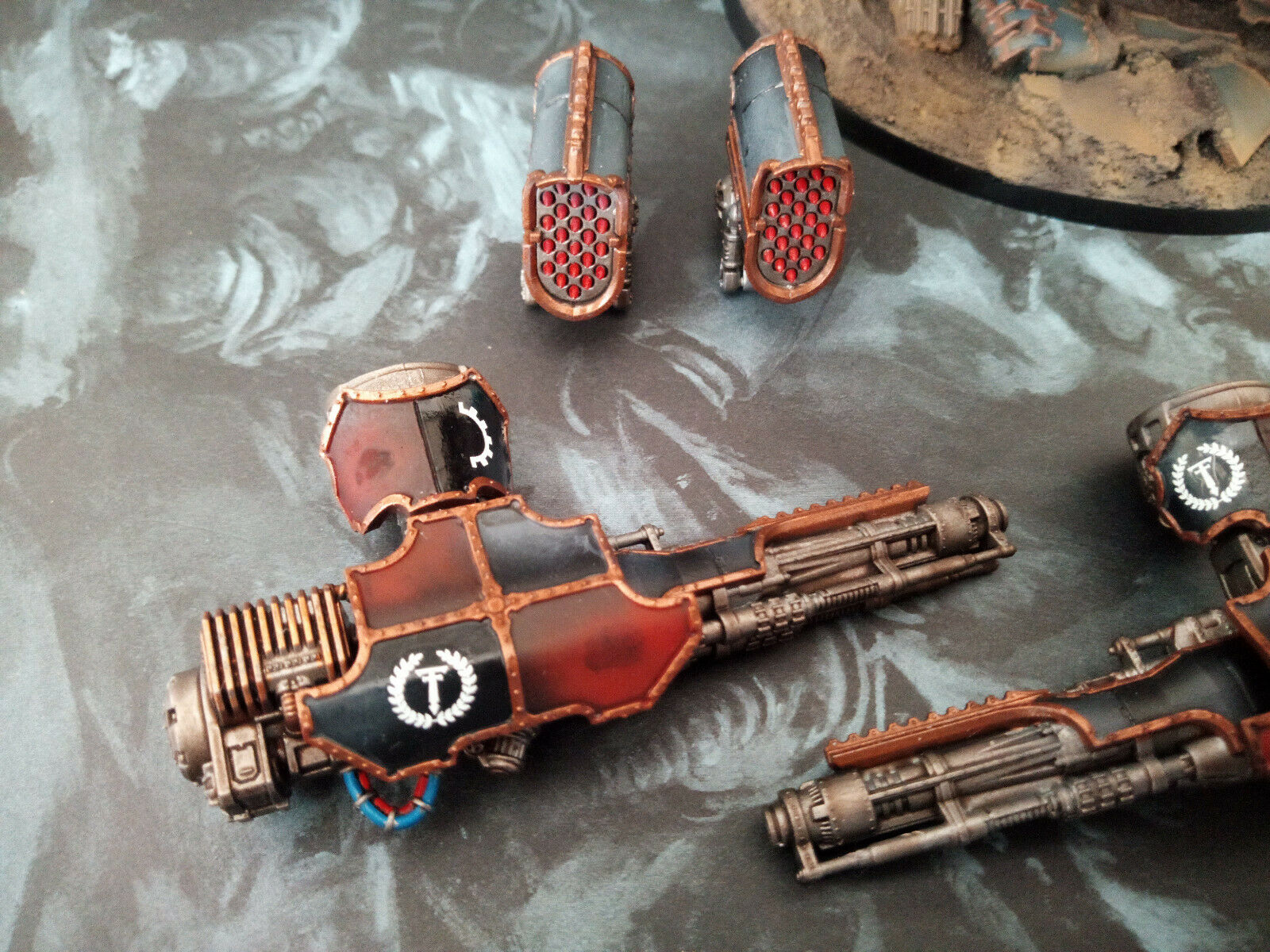 Adeptus Titanicus Legio Mortis Warlord Battle Titan with magnetized weapons weapons weapons a87a6c