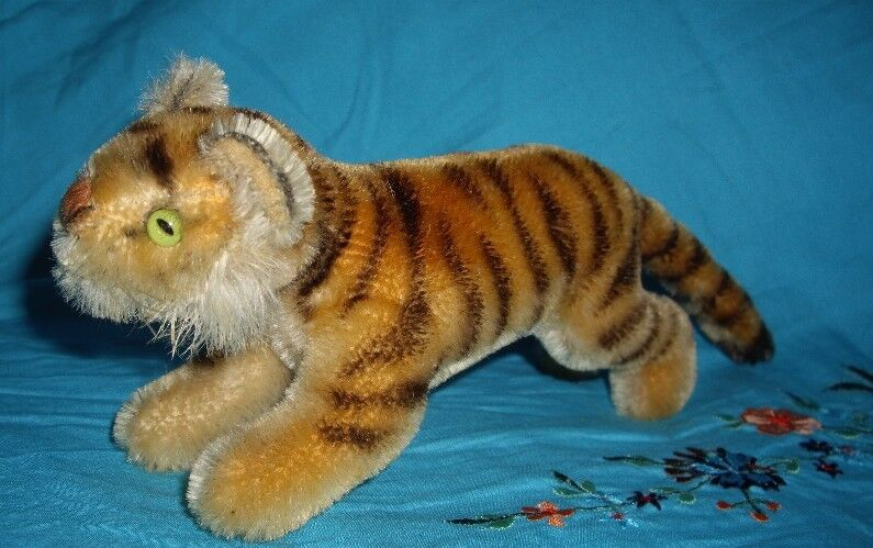 @ Early 6  Steiff Tiger exotic cat Excellent condition@