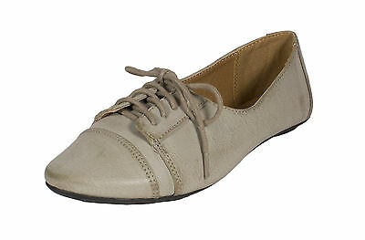 Kungfu! City Classified Women's  Lace Up Oxford Flats in Grey Leatherette