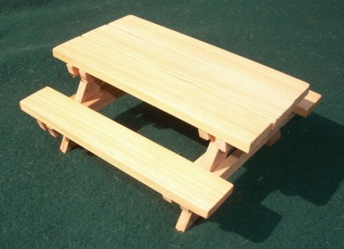 Natural Cedar Stain Dollhouse Miniature Cedar Wood Picnic Table with Benches