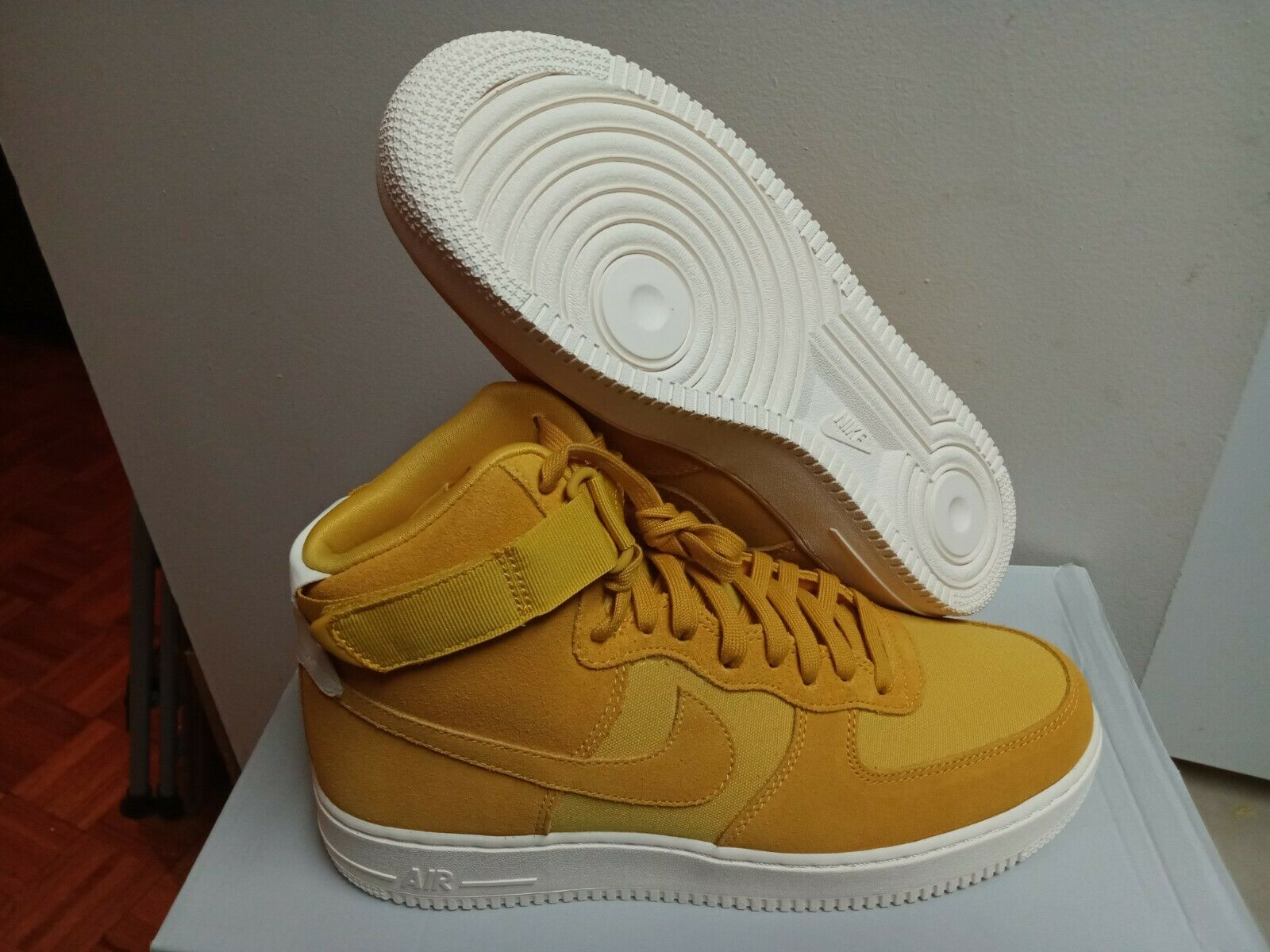 82a2cc49f1 Men's New Nike Air Force 1 Hi Yellow Ochre Sail AQ8649 700 Size 10.5  nobsie2127-Athletic Shoes