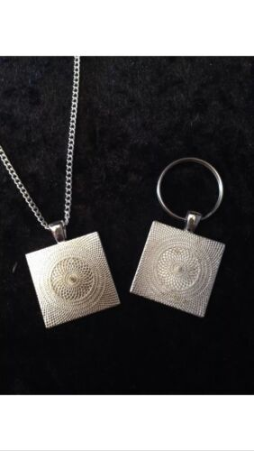 Retro Gaming Necklace Keyring Gameboy Cover Super Mario Land 2 Six Golden Coins