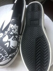d4f319cf1260 CONVERSE ONE STAR Kids Slip On Sneakers Black and White Size 3