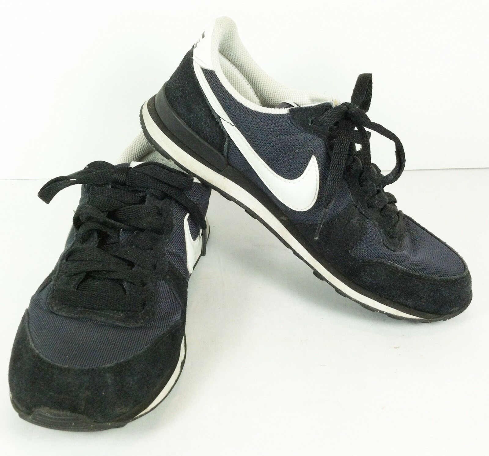 Retro Nike Internationalist Vintage Black Whit Womens Sneakers Sz 5.5 316374-013 Wild casual shoes