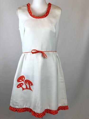 Vintage Dress 70s Mushroom Appliqué On White Picot