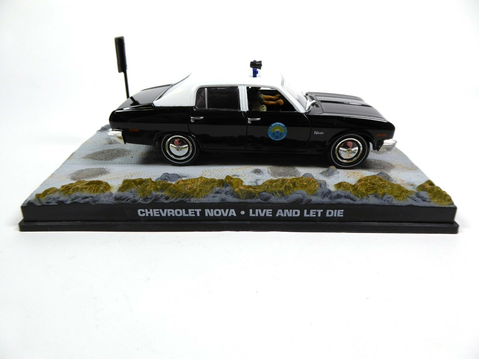 1:43 IXO DIECAST MODEL CAR DY066 BMW 518 Police JAMES BOND 007 Octopussy