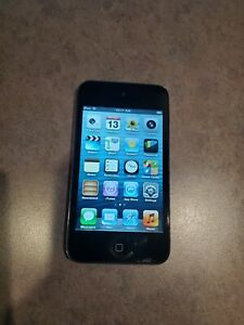 WHITE SPOT !! WORKING Apple iPod Touch A1367 8GB BLACK MP3 4th Generation