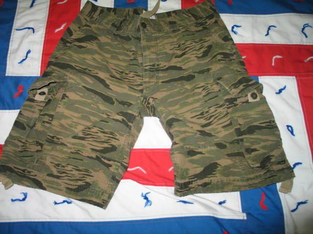 GAP Men Camo Zebra Striped Camouflage Cargo Shorts size 31