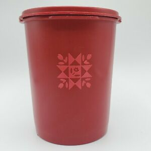Tupperware-Servalier-Canister-Small-6-034-DARK-RED-811-Vintage-WITH-MATCHING-LID