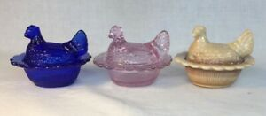 Mosser-Art-Glass-Set-Of-Three-Hen-Chicken-Salts-Made-In-USA