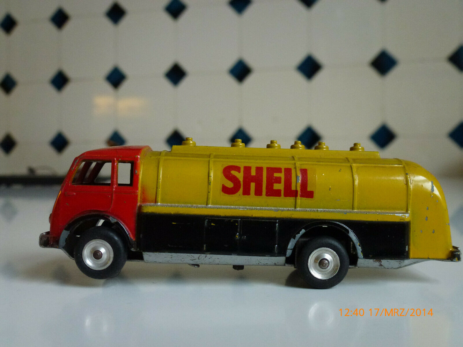 Shell Tanker CIJ aufziehbar ca. 1960, gebraucht aber einwandfrei