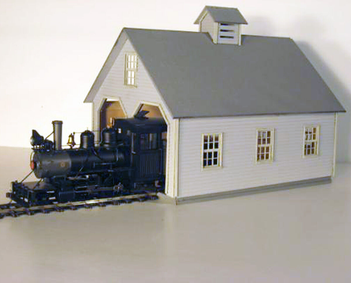 NARROW GAUGE ENGINEHOUSE O On3 On30 Model Railroad Unpainted Structure Kit DF202