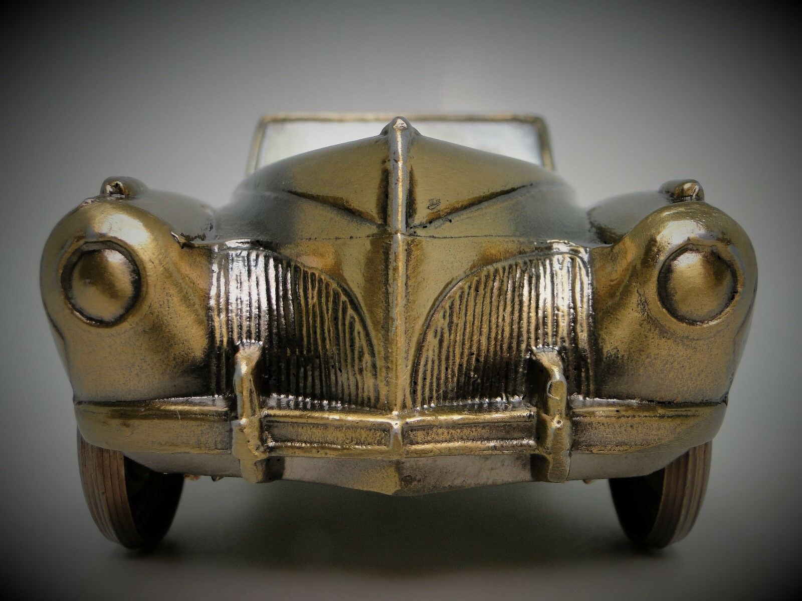 A 1940s Ford Lincoln Model Antique Vintage T Car 18 Metal 12 Bronze 43 GT 1 24