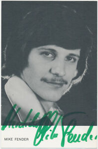 Mike-Fender-2017-hand-signed-Autograph-Autogramm-Autogrammkarte
