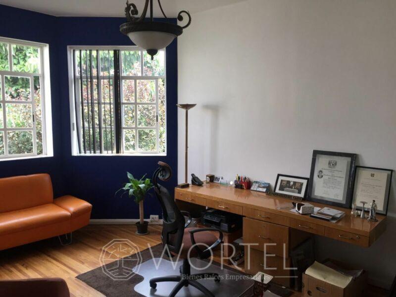 Consultorio 20 m2 | Nápoles