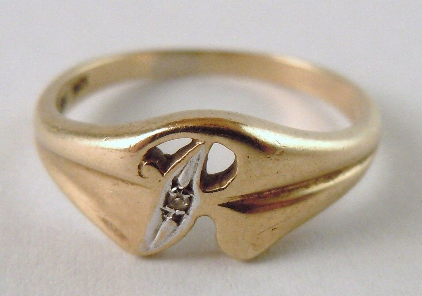 100% Genuine Vintage 9ct solid Yellow gold R Letter Ring with Diamond Sz 5.5