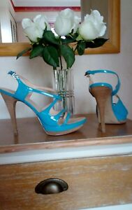 Sandales Guess talons hauts cuir turquoise neuf P.39