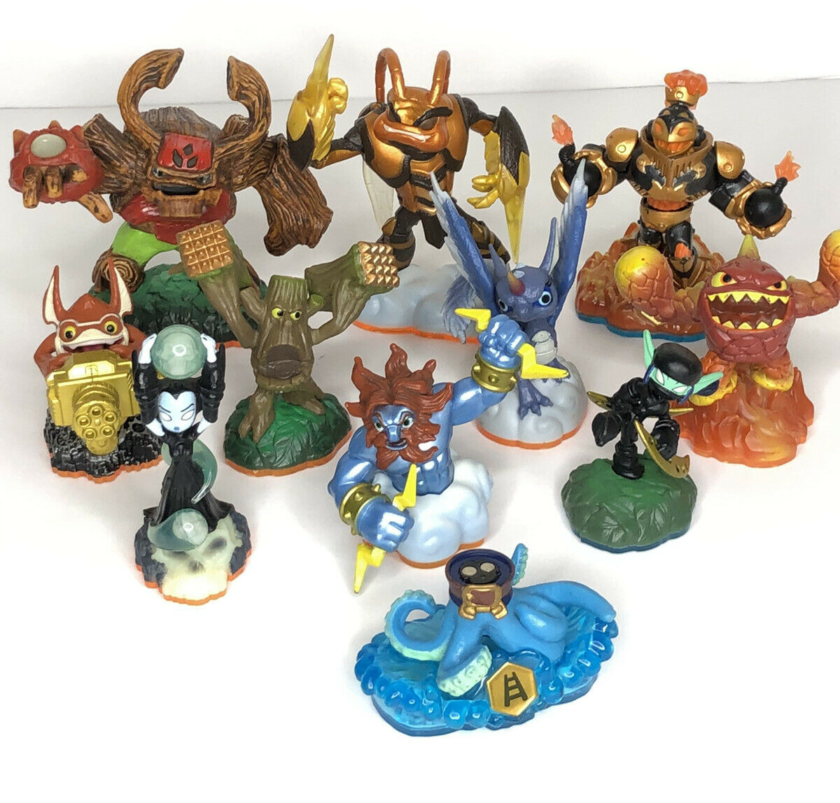 11 Piece Lot Of Skylanders Mixed Lot Lightning Bolt And More Figures Activision